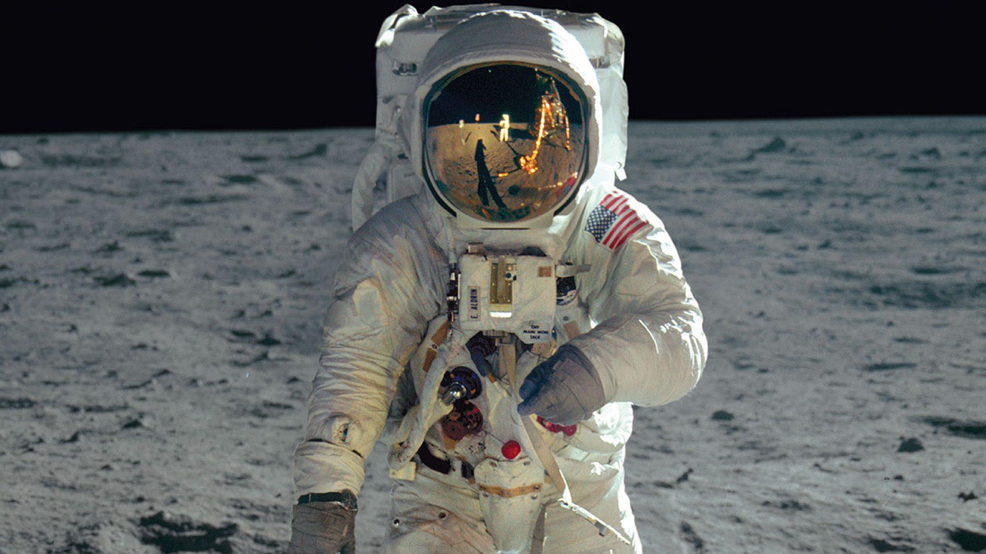 Apollo11_DriveIn_1920